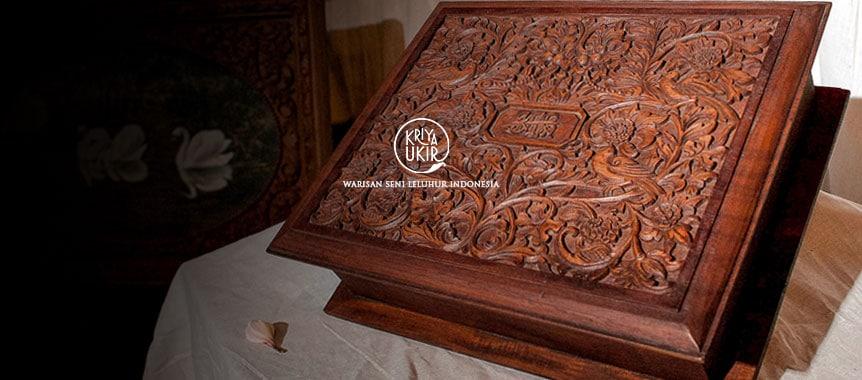 Kerajiinan Kotak Perhiasan Kartini Jepara