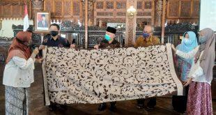 Mulai Januari, ASN Diwajibkan Pakai Batik Jepara