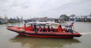 Basarnas Cari 12 Korban Tabrakan Kapal Asal Batang