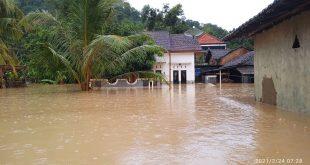 Banjir Bandang Terjang Desa Sumberrejo